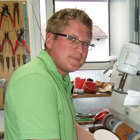 Orthopädieschuhmachermeister Michael Zwickl in Bogen