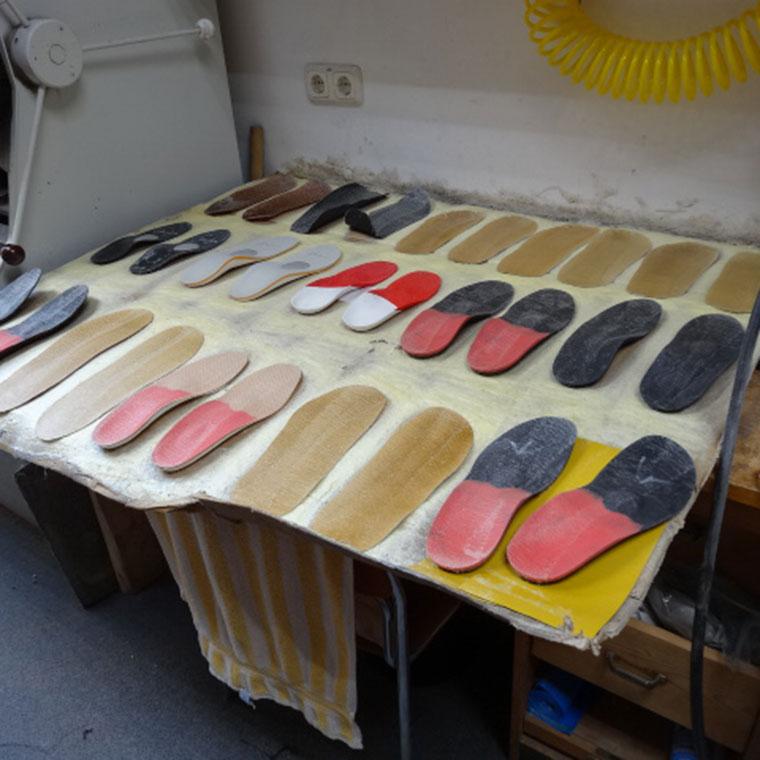 Maßgefertigte orthopädische Einlagen in Bogen bei Straubing